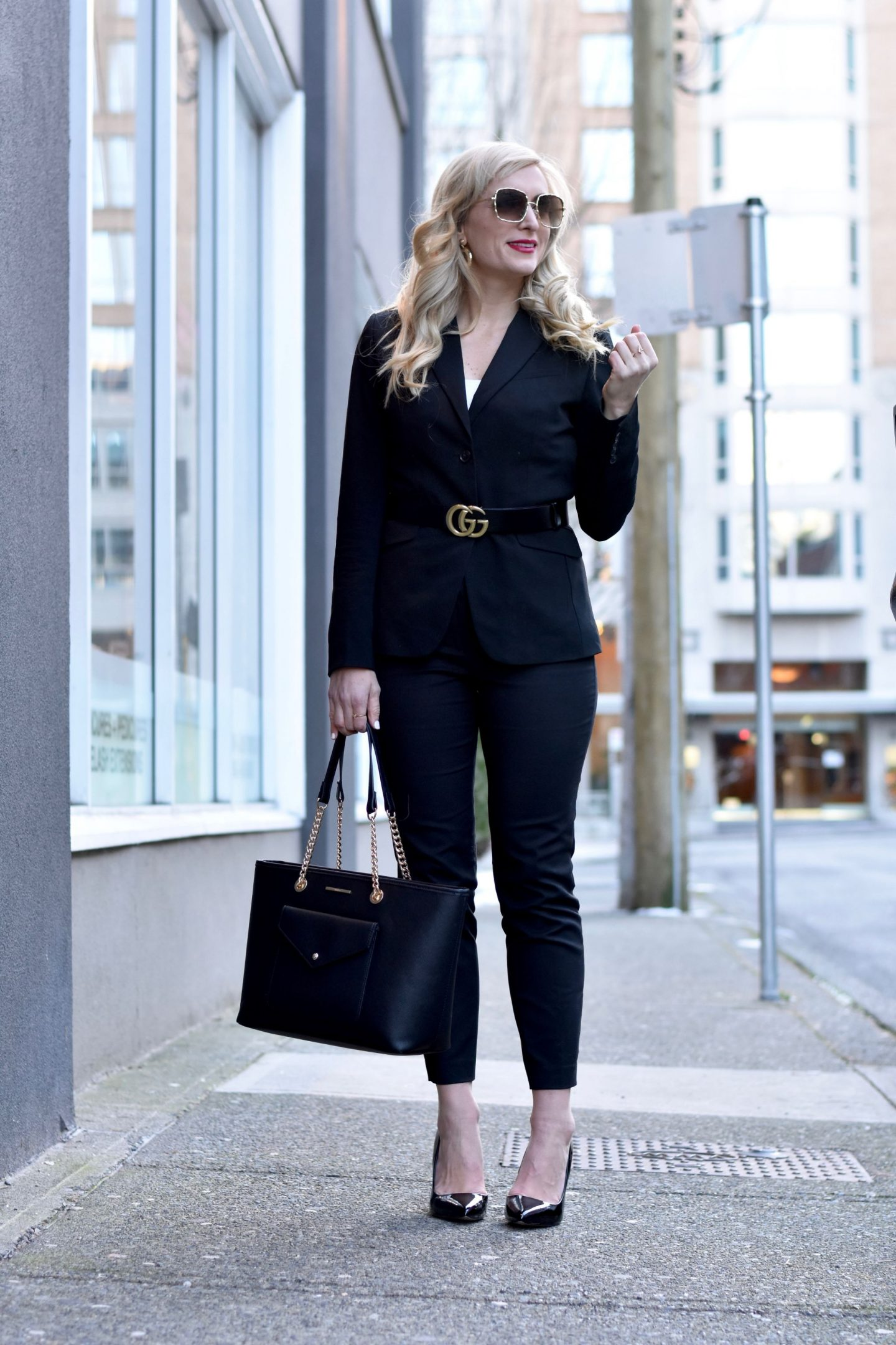modern womens pant suit