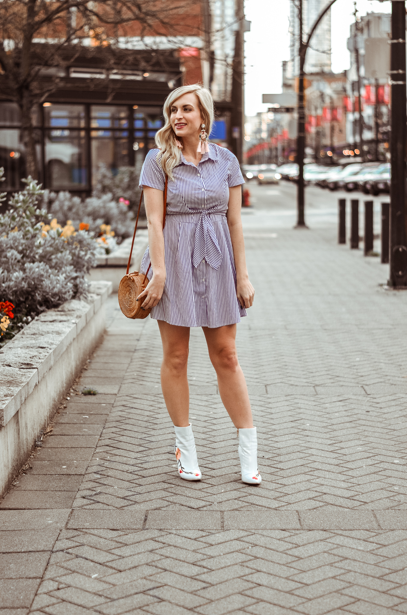 spring outfit tie waist shirt dress