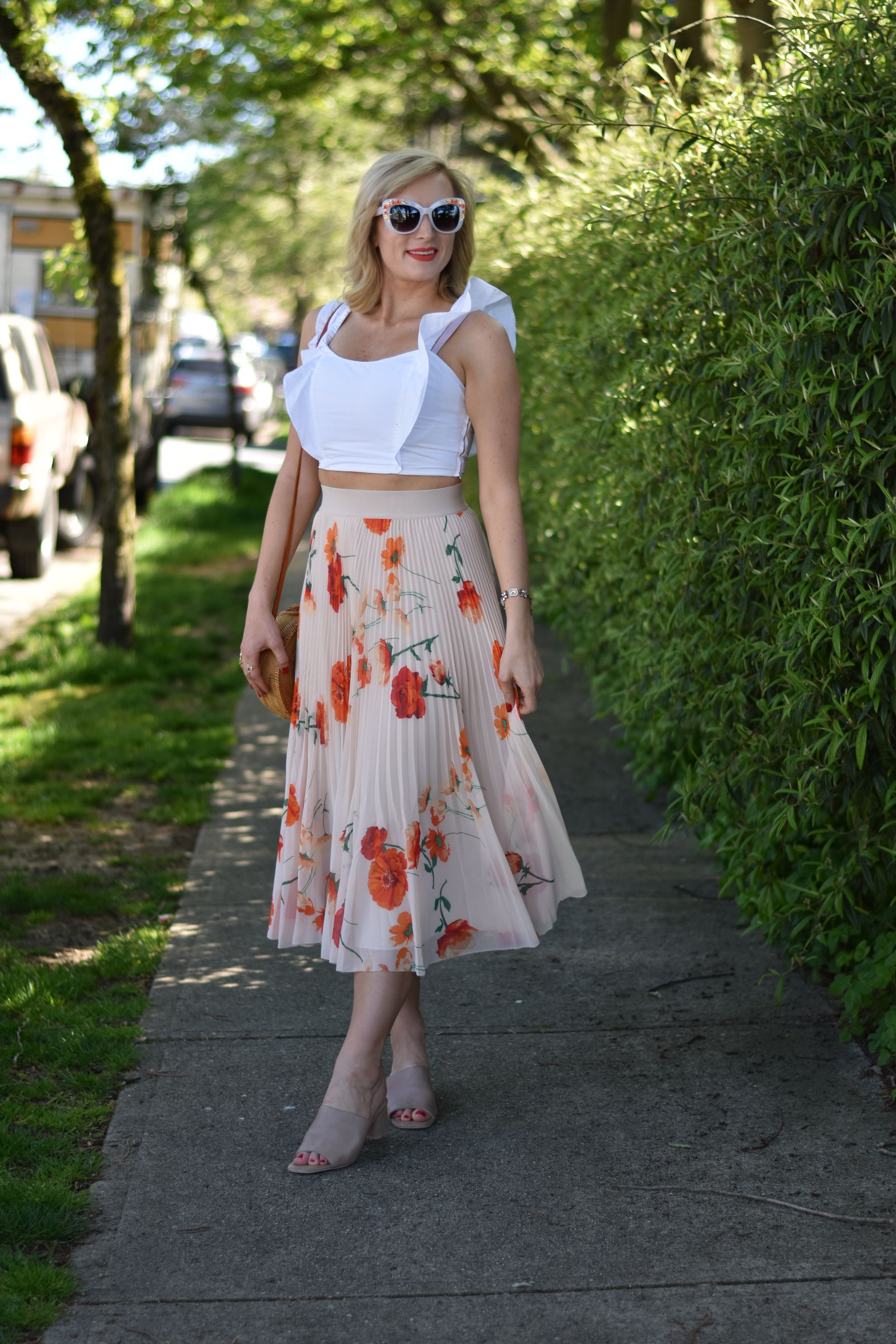 crop top and midi skirt outfit idea