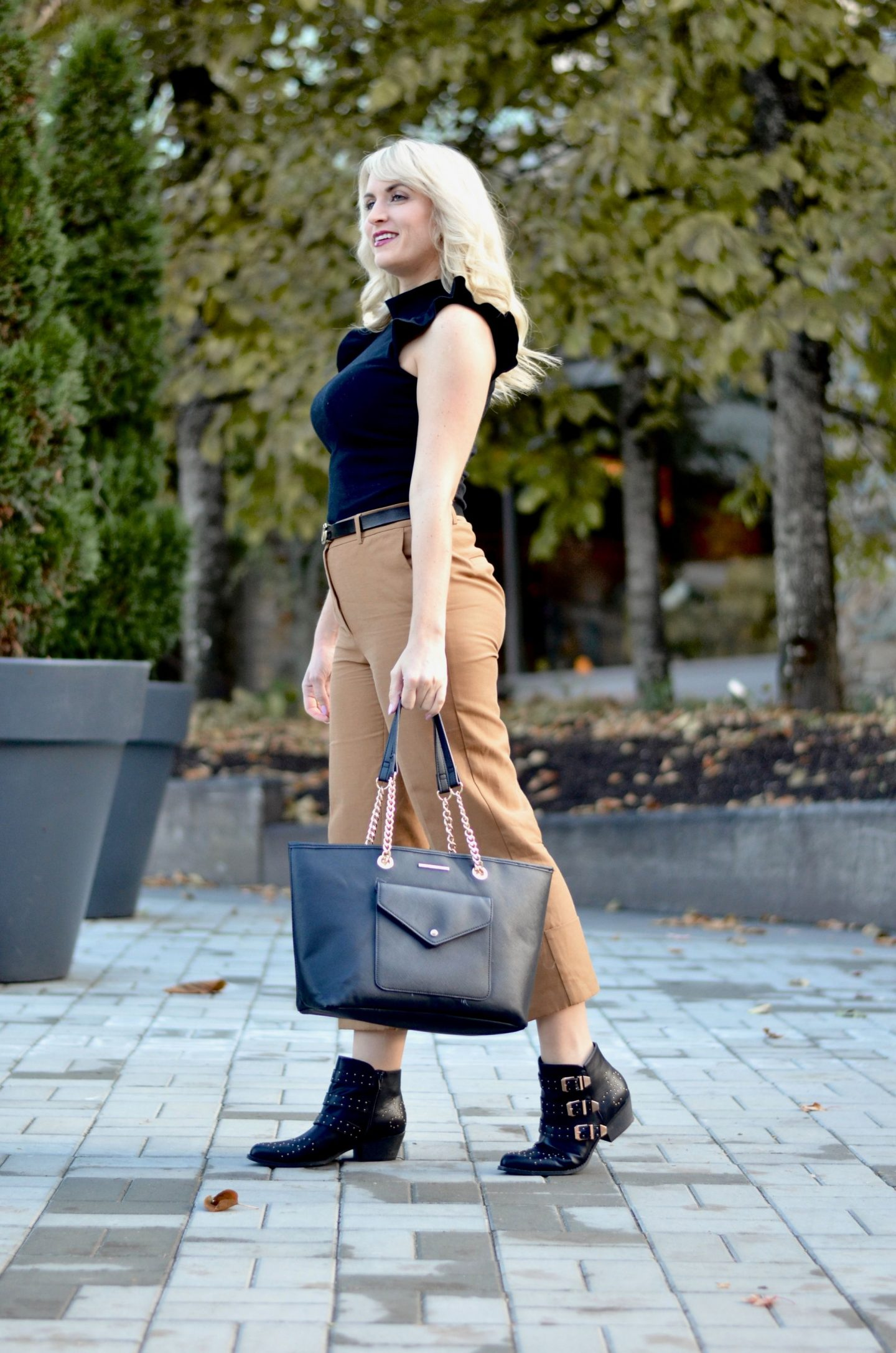 casual friday outfit camel culottes