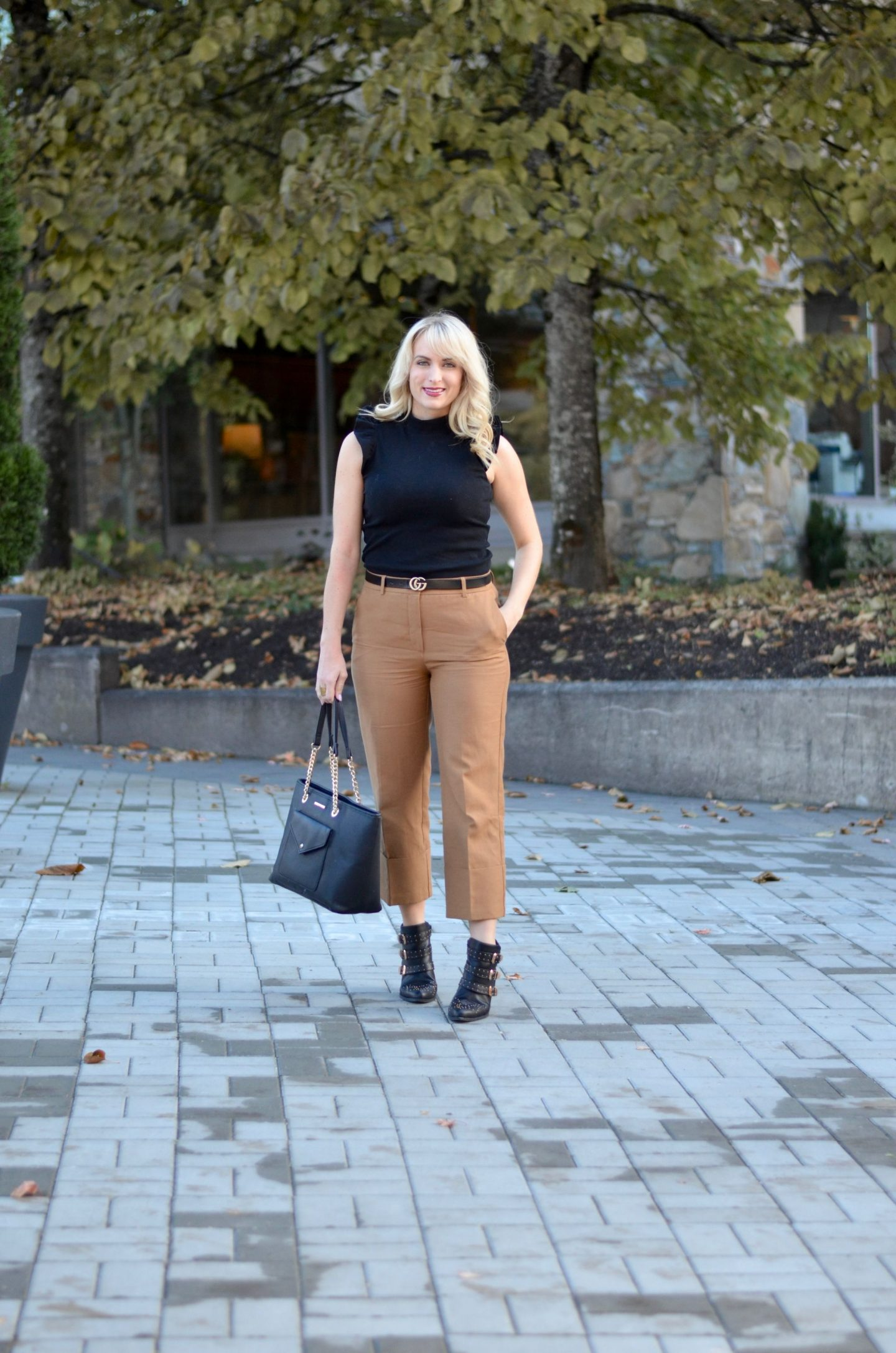 legallee blonde casual friday outfit camel culottes