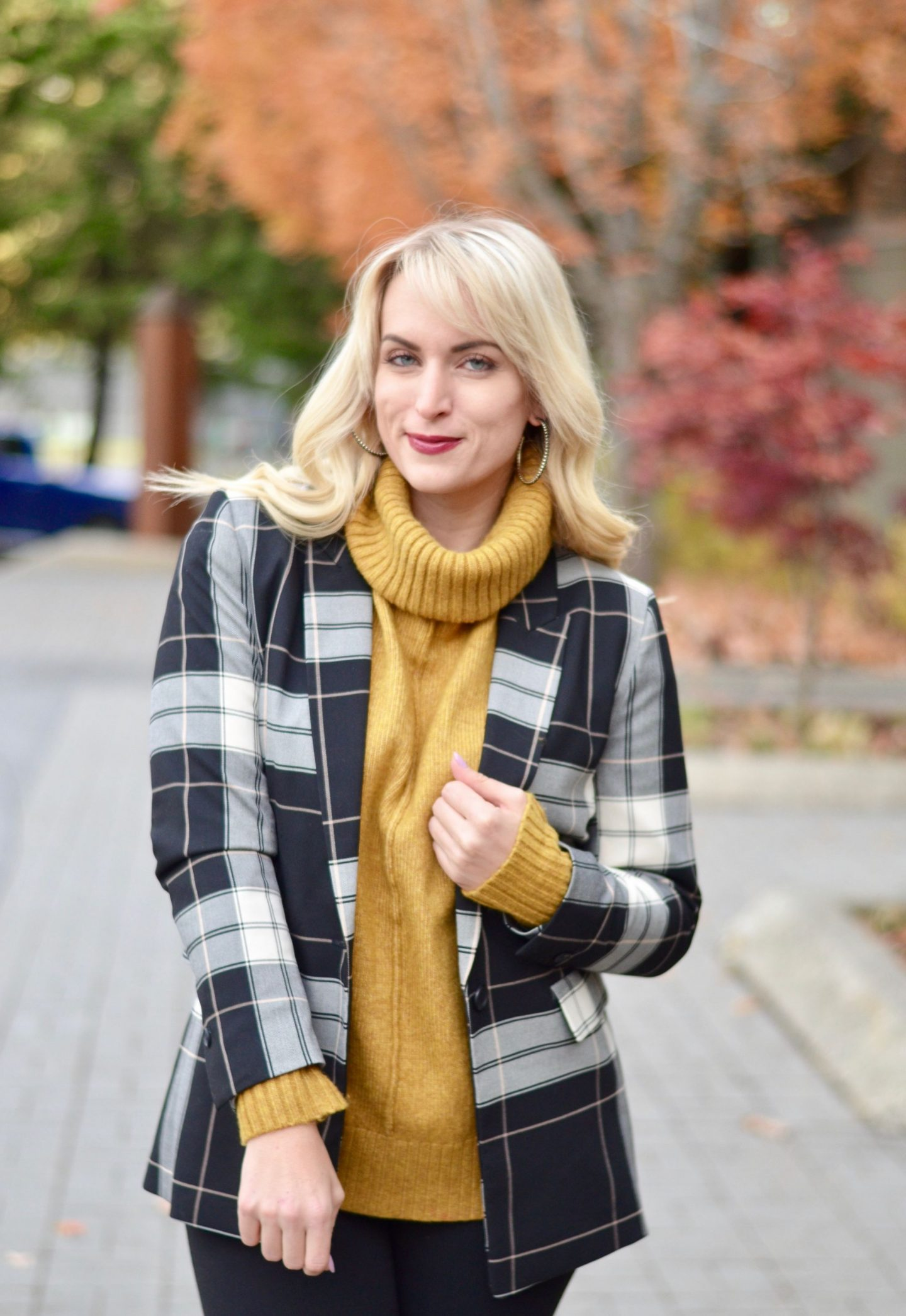 how to style a mustard yellow turtleneck how to layer for work