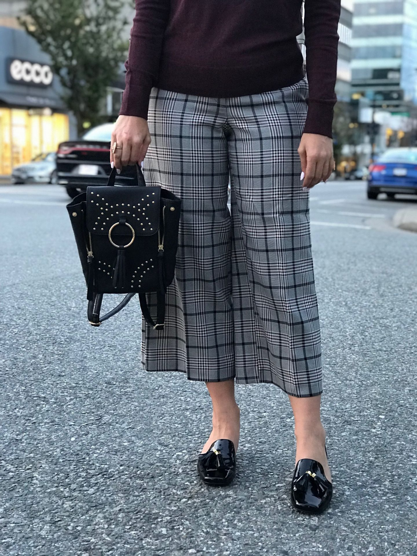 pieces to add to your work day wardrobe this fall / winter glen plaid pants