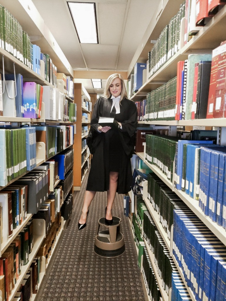 questions you should ask yourself before applying to law school