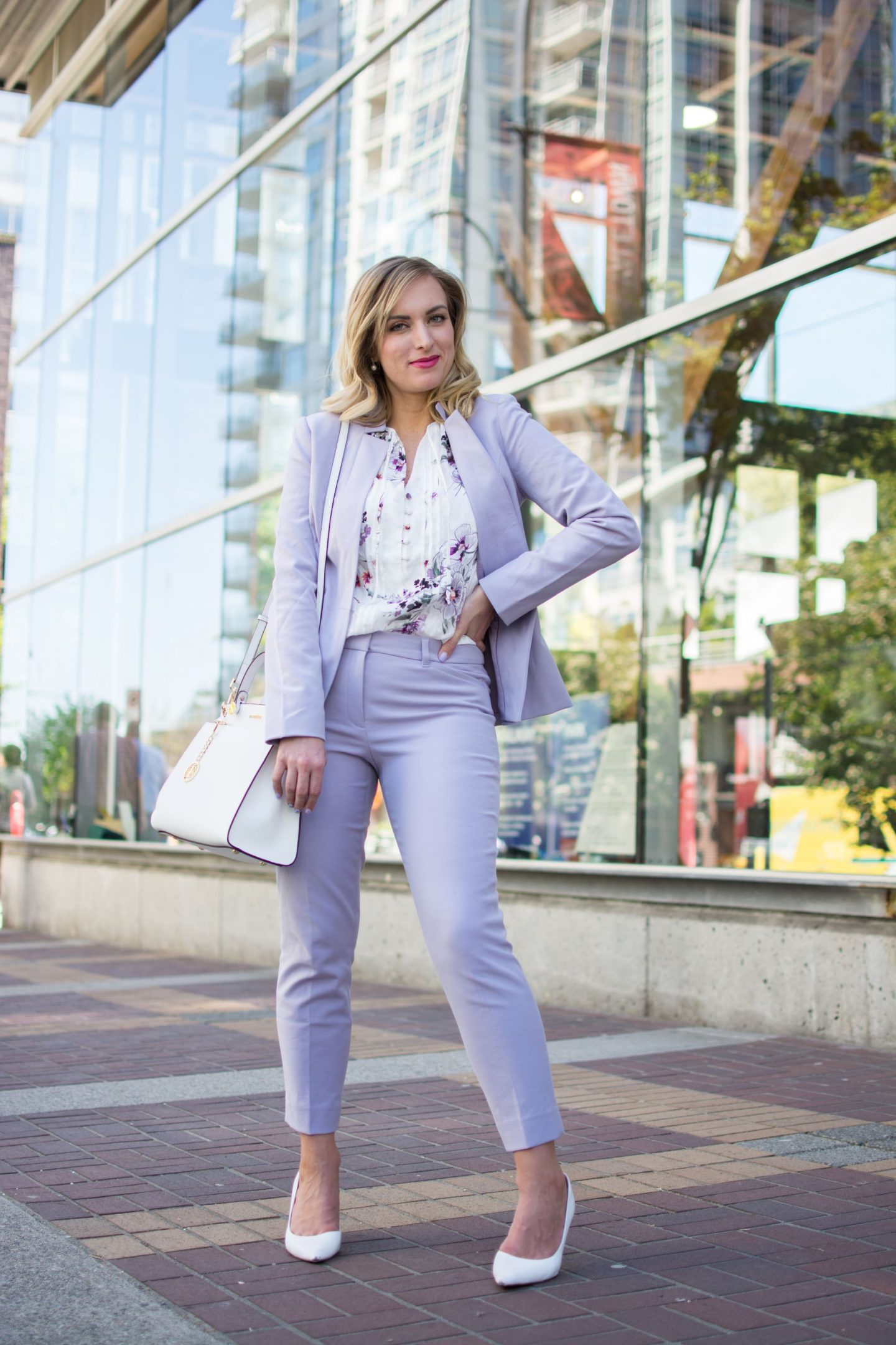 woman-wearing-lilac-work-wear-blazer-pants