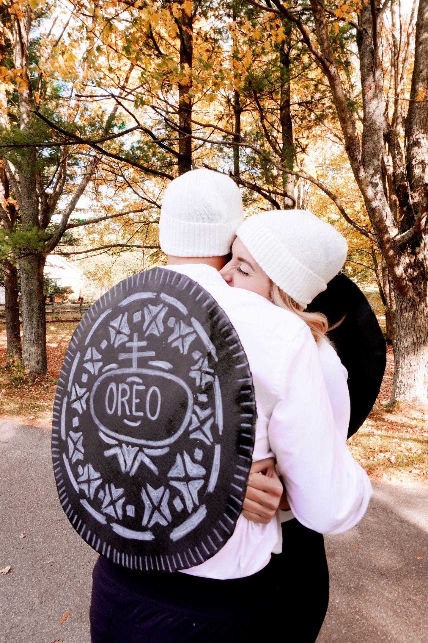 DIY halloween costume ideas for couples double stuffed OREO