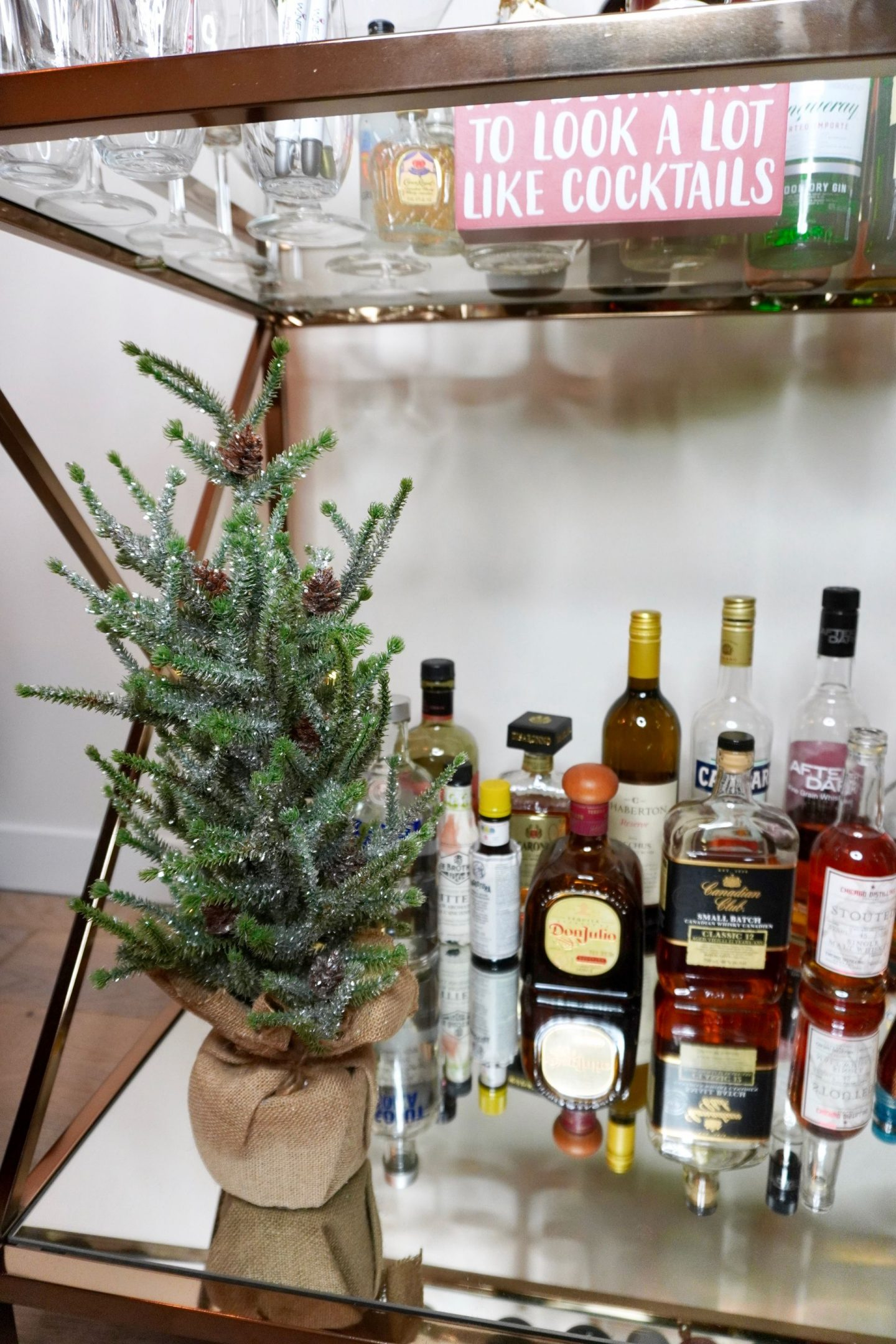 6 Ways To Decorate Your Bar Cart For The Holidays