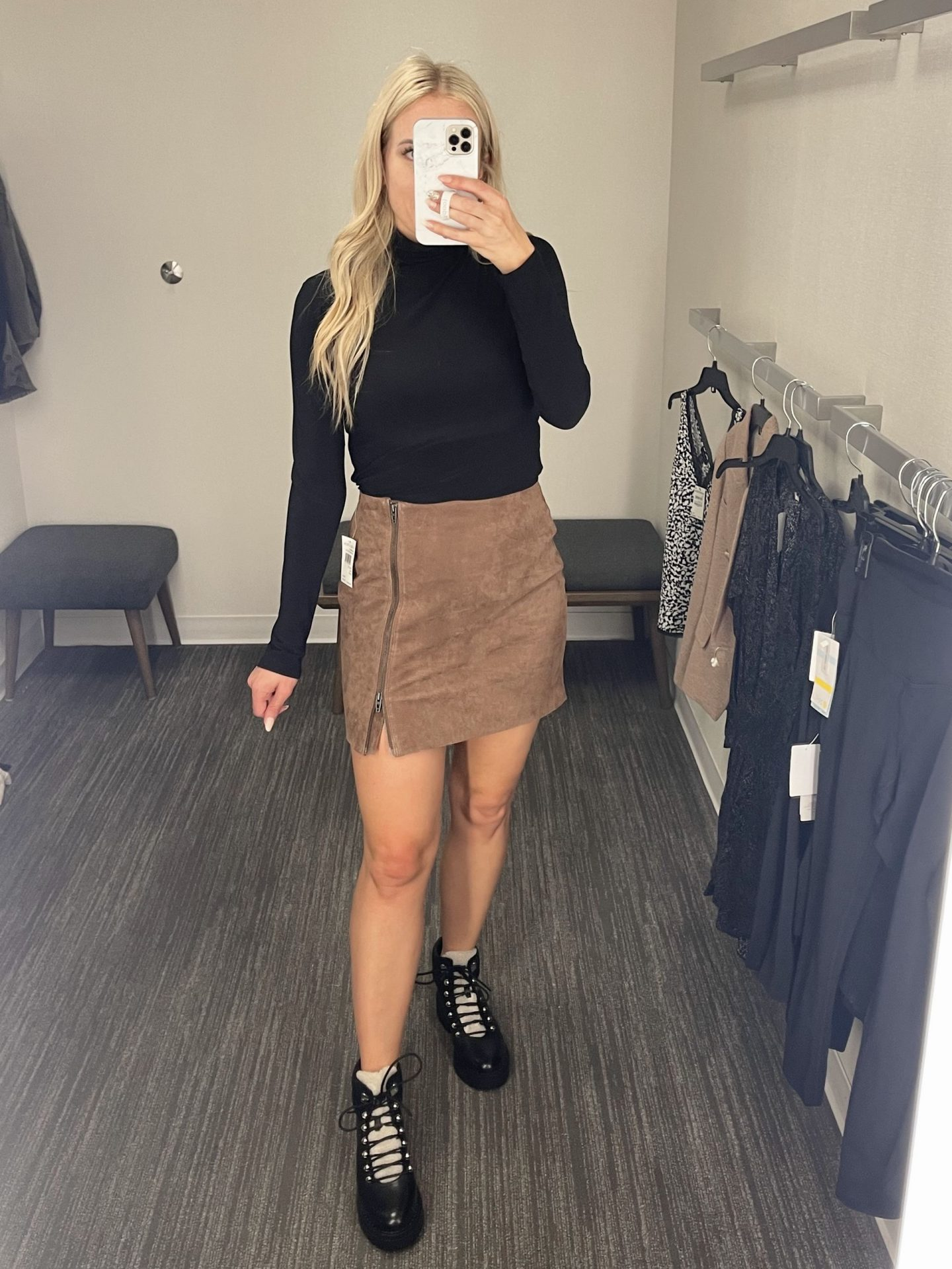 fashion blogger Lee taylor of legalleeblonde Fitting Room Review - Nordstrom Anniversary Sale